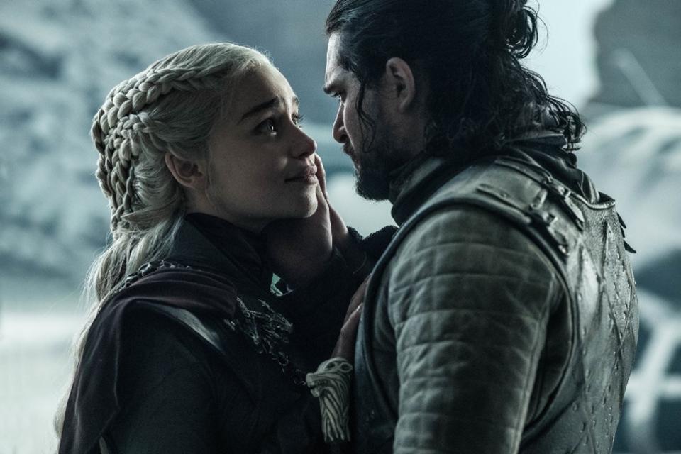 Game of Thrones s08 e06: Hledá se král. Pozn: Vlastní trůn výhodou!